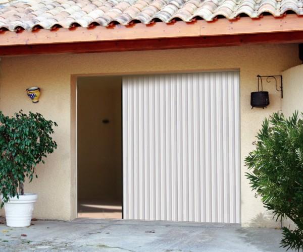 Porte de garage PVC